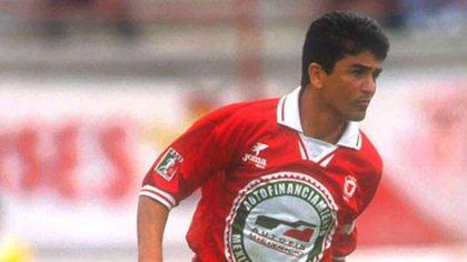 El delantero mundialista brasileño, Bebeto, vistió la camiseta de Toros Neza a los 35 años de edad (Foto: Archivo)
