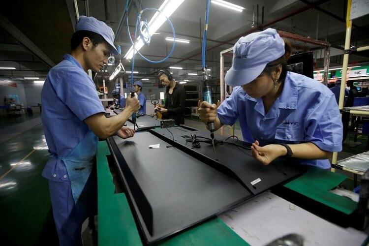 Las exportaciones chinas a Estados Unidos cayeron un 12,5& (REUTERS/Jason Lee)