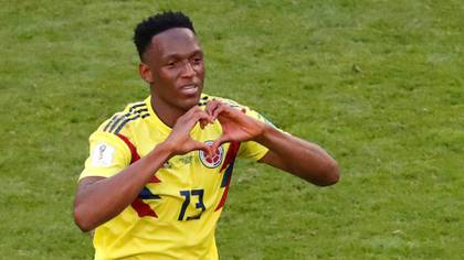 Yerry Minavolvió a marcar para que Colombia clasifique a los octavos de final(Reuters)