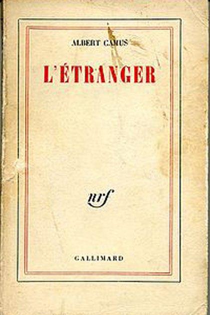 """Primera edición (1942) de """"El extranjero"""" de Albert Camus"""