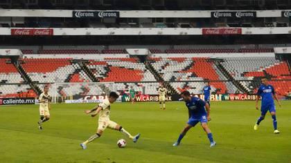 El fútbol mexicano ha tomado medidas en relación al COVID-19, aunque sigue en incertidumbre la reanudación del torneo (Foto: Cuartoscuro)