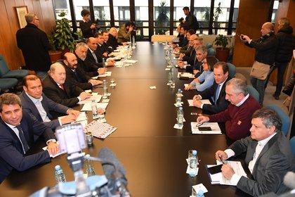 Los gobernadores que la semana pasada se reunieron en el CFI. (Maximiliano Luna)