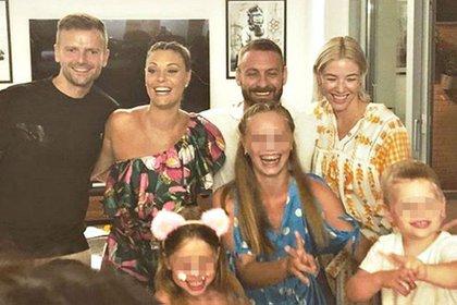 Daniele De Rossi junto a su ex mujer, Tamara Pisnoli (izquierda), su actual pareja, Sarah Felberbaum (derecha)