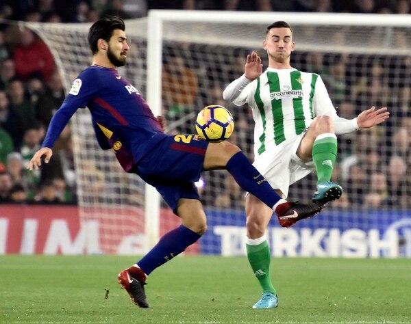 André Gomes no es feliz en Barcelona y podría emigrar durante este mercado de pases (EFE)