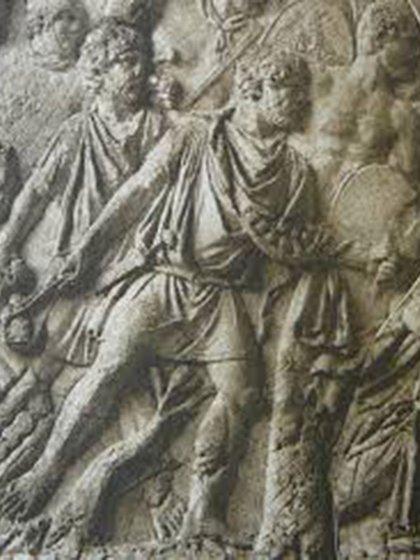 Detalle de los relieves de la columna de Trajano: honderos del ejército romano