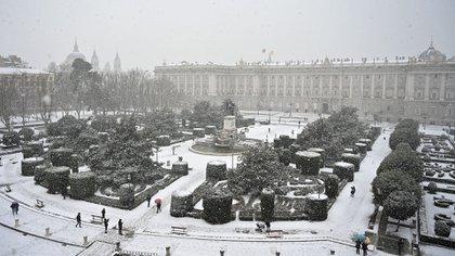 Vista panorámica del Palacio Real de Madrid (GABRIEL BOUYS / AFP)
