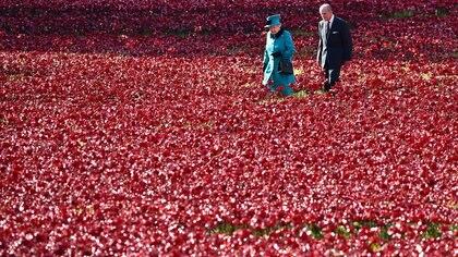16 de octubre de 2014: la reina Isabel II y su esposo el príncipe Felipe, duque de Edimburgo