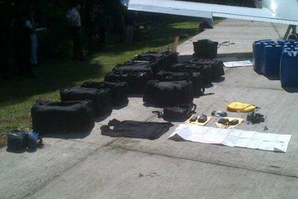 13/01/2014 Imagen de archivo de droga transportada en avioneta en Guatemala POLITICA SOCIEDAD GUATEMALA CENTROAMÉRICA GUATEMALA.GOB.