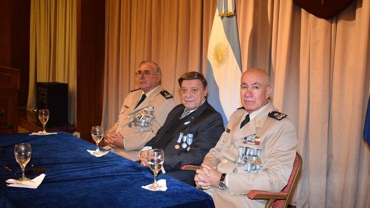 La labor de la tripulación del Río Iguazú mereció el más alto reconocimiento de parte de las autoridades.