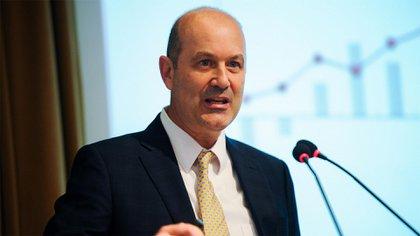 El presidente del Banco Central, Federico Sturzenegger, acordó con el el directorio esperar que baje más la inflación para reducir las tasas de interés