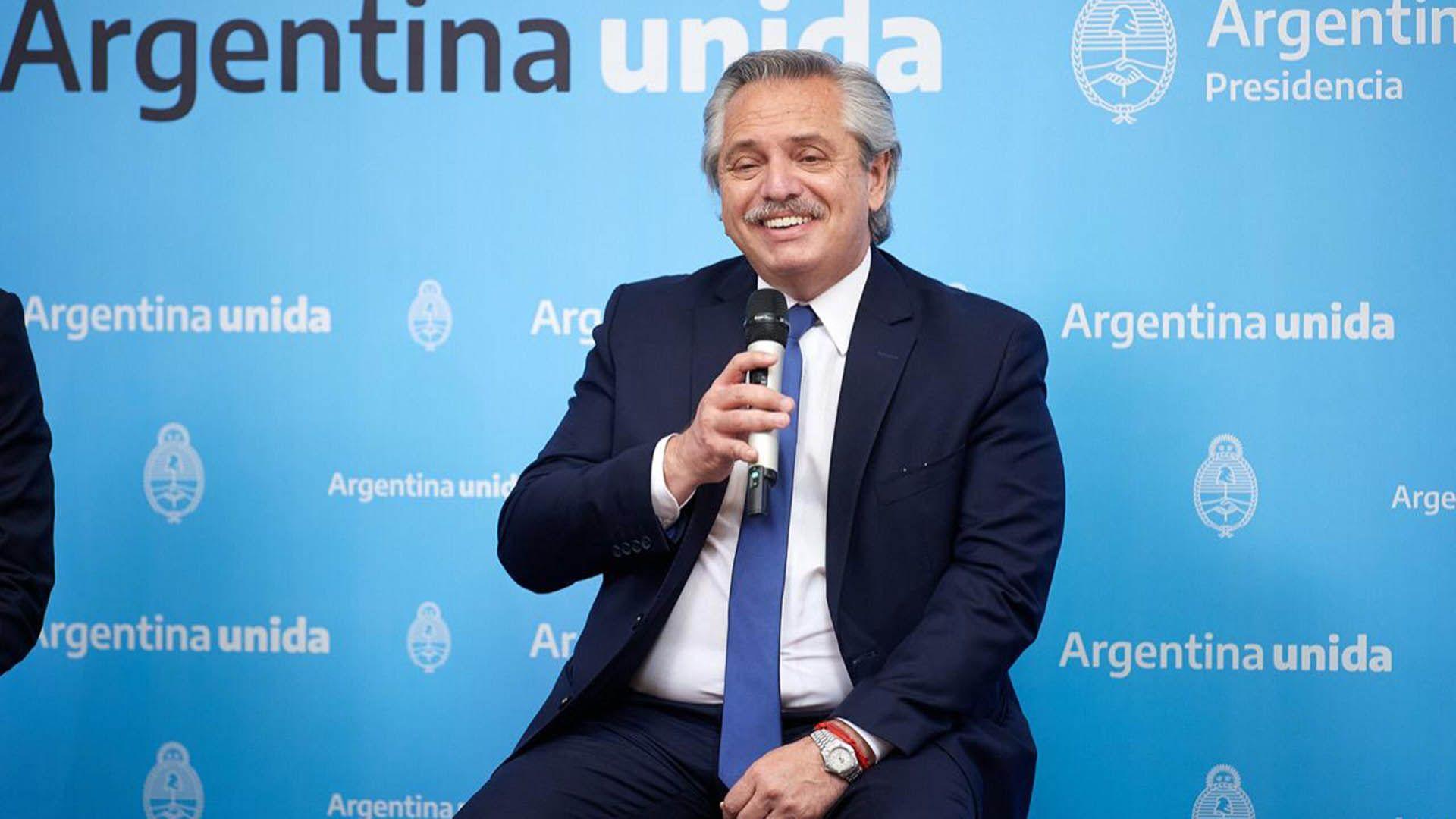 Victoria Tolosa Paz y Alberto Fernández