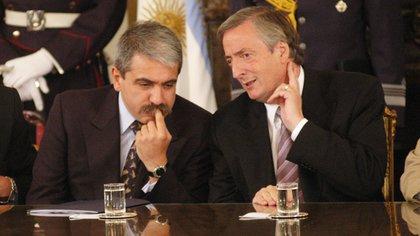 Aníbal Fernández junto a Néstor Kirchner (NA)