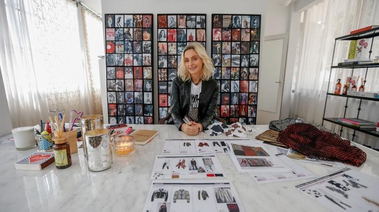 Cynthia Kern es la directora creativa de Kosiuko, la marca ready-to-wear femenina creada en 1992. Recibió a Infobae en su taller de Martínez