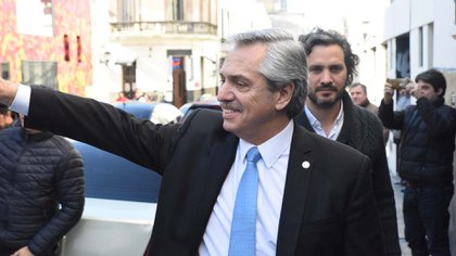 Detrás de Fernández, Santiago Cafiero (Franco Fafasuli)