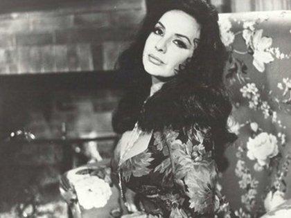 En 1955 Sarli fue elegida Miss Argentina y luego trabajó en diferentes campañas publicitarias
