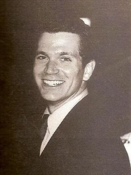 John Battaglia parecía un joven simpático, con carisma, que había estudiado para contador. Pero ya en su primer matrimonio mostró su verdadera cara de violento y golpeador (murderpedia.org)