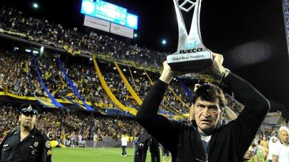 Falcioni ganó el Torneo Apertura 2011 y la Copa Argentina 2012 en Boca
