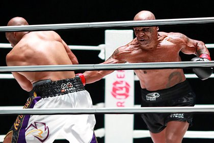 Mike Tyson peleó en noviembre ante Roy Jones Jr. (USA TODAY Sports)