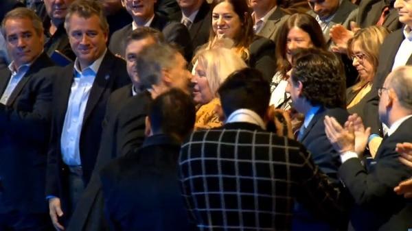El saludo de Macri a Carrió
