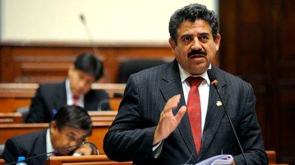 Manuel Merino, presidente del Congreso de Perú, tomará las riendas del gobierno tras la destitución de Vizcarra