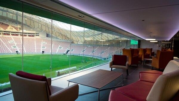 La reformas le han dado al Khalifa Stadium un salto tecnológico para el bienestar de jugadores y espectadores (Reuters)