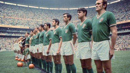 He was selected nationally and participated in two World Cups: England 1966 and Mexico 1970