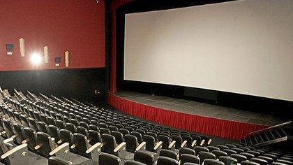 Con la cuarentena, las salas de cine se vaciaron en forma obligatoria, pero los costos permanecen, por lo que el sector pidió ayuda inmediata