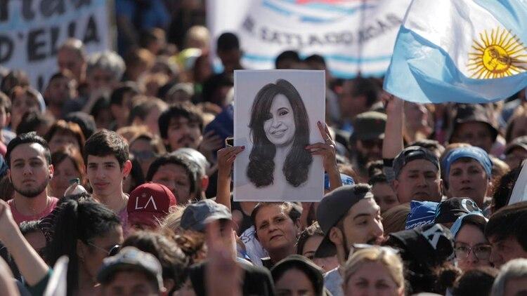 Miles de personas asistieron a la presentación del libro de Cristina Kirchner (Foto: Lihueel Althabe)