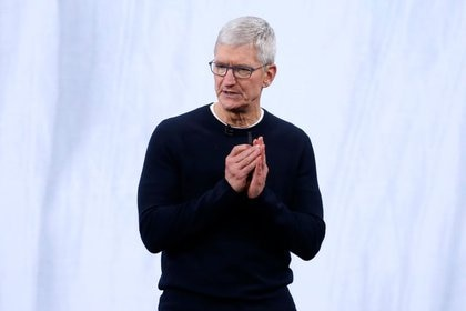 Imagen de archivo de Tim Cook, presidente ejecutivo de Apple, durante un evento en la sede de Cupertino, California, EEUU. 10 septiembre 2019. REUTERS/Stephen Lam