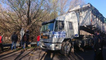 La protesta se produce a la altura de La Punilla, paso fronterizo entre la provincia puntana y Córdoba