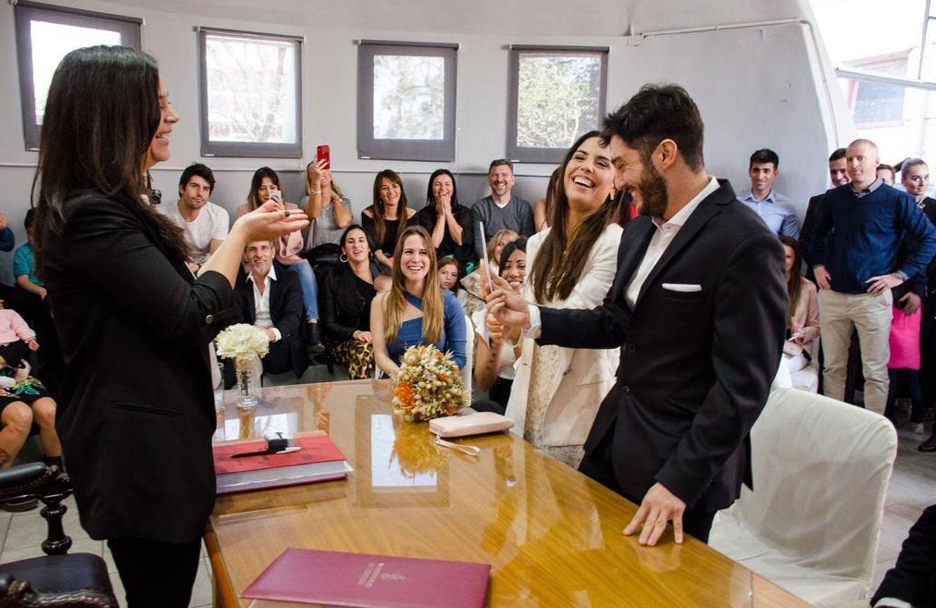 La actriz y el productor se casaron rodeados de sus seres queridos (Teleshow)