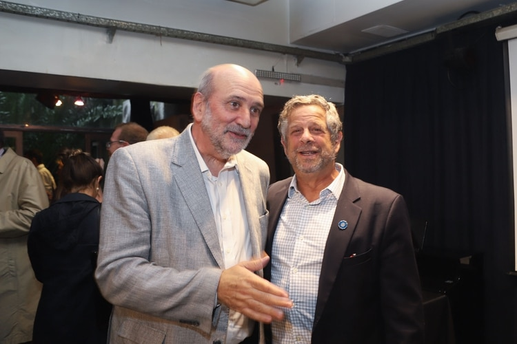 Jesús Rodríguez junto al ministro de Salud, Adolfo Rubinstein (Matías Baglietto)