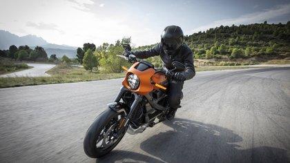 La Harley-Davidson LiveWire, acelera de 0 a 100 km-h en 3,5 segundos.