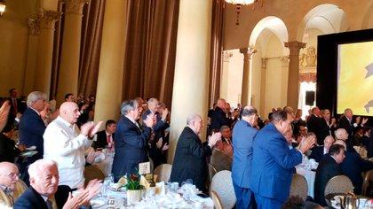 Bolton fue ovacionado por los asistentes a su discurso en Miami (Opy Morales)