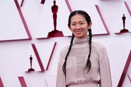 La directora Chloé Zhao ganó como Mejor Director (Foto: EFE/Chris Pizzello)