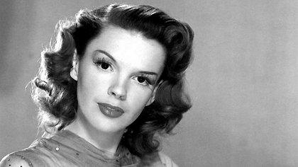 Judy Garland ya consumía anfetaminas a los 16 años (Wikipedia)