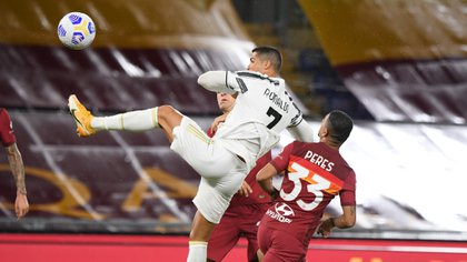 Soccer Football - Serie A - AS Roma v Juventus - Stadio Olimpico, Rome, Italy - September 27, 2020. Juventus' Cristiano Ronaldo scores their second goal REUTERS/Alberto Lingria