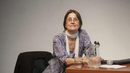 Elena Oliveras (Flor Zurita)