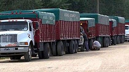 Desde la Federación de Transportadores Argentinos (FETRA) denunciaron que no se cumplen con los protocolos sanitarios en los acopios y los puertos exportadores
