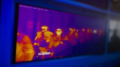 En Ezeiza se controla con cámaras infrarrojas la temperatura corporal