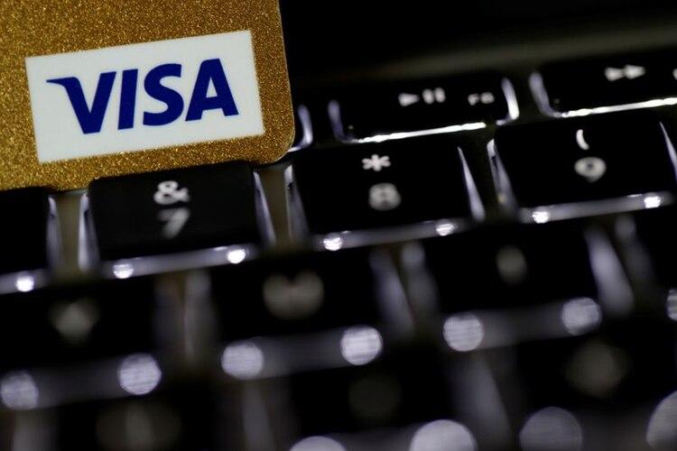 El monto del crédito se verá reflejado directamente en el saldo de la tarjeta de crédito del beneficiario (REUTERS/Philippe Wojazer)
