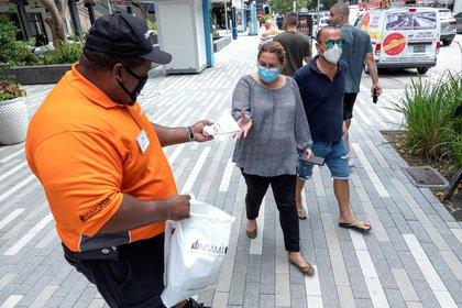 La cifra de nuevos contagios superó por segunda vez en pocos días el récord de 60.000 arrastrada por los brotes en estados del sur y del oeste como Florida, Texas, California, Arizona y Georgia. (Estados Unidos) EFE