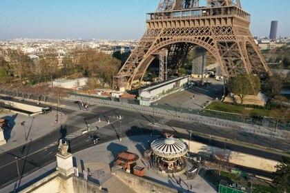 Una vista aérea de la base de la Torre Eiffel REUTERS/Pascal Rossignol