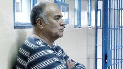""""""" A mí me habían ofrecido un Ford Galaxy cero km y cinco mil pesos antes de llegar a la Subcomisaría y yo no agarré viaje, al final el subcomisario les sacó 28.000 dólares"""", asegura el ex agente (Telam)"""