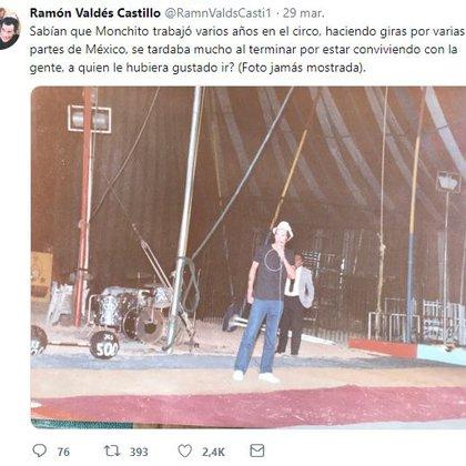 """En la cuenta de Twitter también se han compartido fotografías nunca antes vistas de """"Don Ramón"""", mientras da un show en un circo (Foto:@RamnValdsCasti1)"""