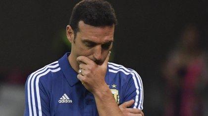Scaloni espera revertir los resultados adversos esta tarde frente a Qatar (FotoLuis ACOSTA / AFP)