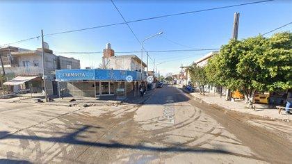 La esquina de las calles Oliveri y Da Vinci, en Laferrere, donde el policía esperaba el colectivo y fue asesinado por delincuentes