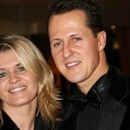 Schumacher junto a su esposa, Corina