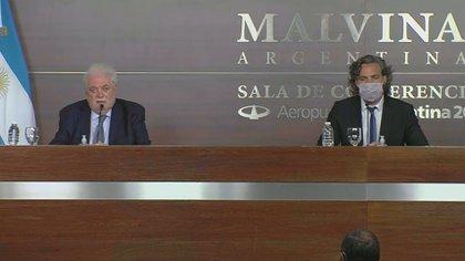 El ministro de Salud, Ginés González García, y el Jefe de Gabinete, Santiago Cafiero