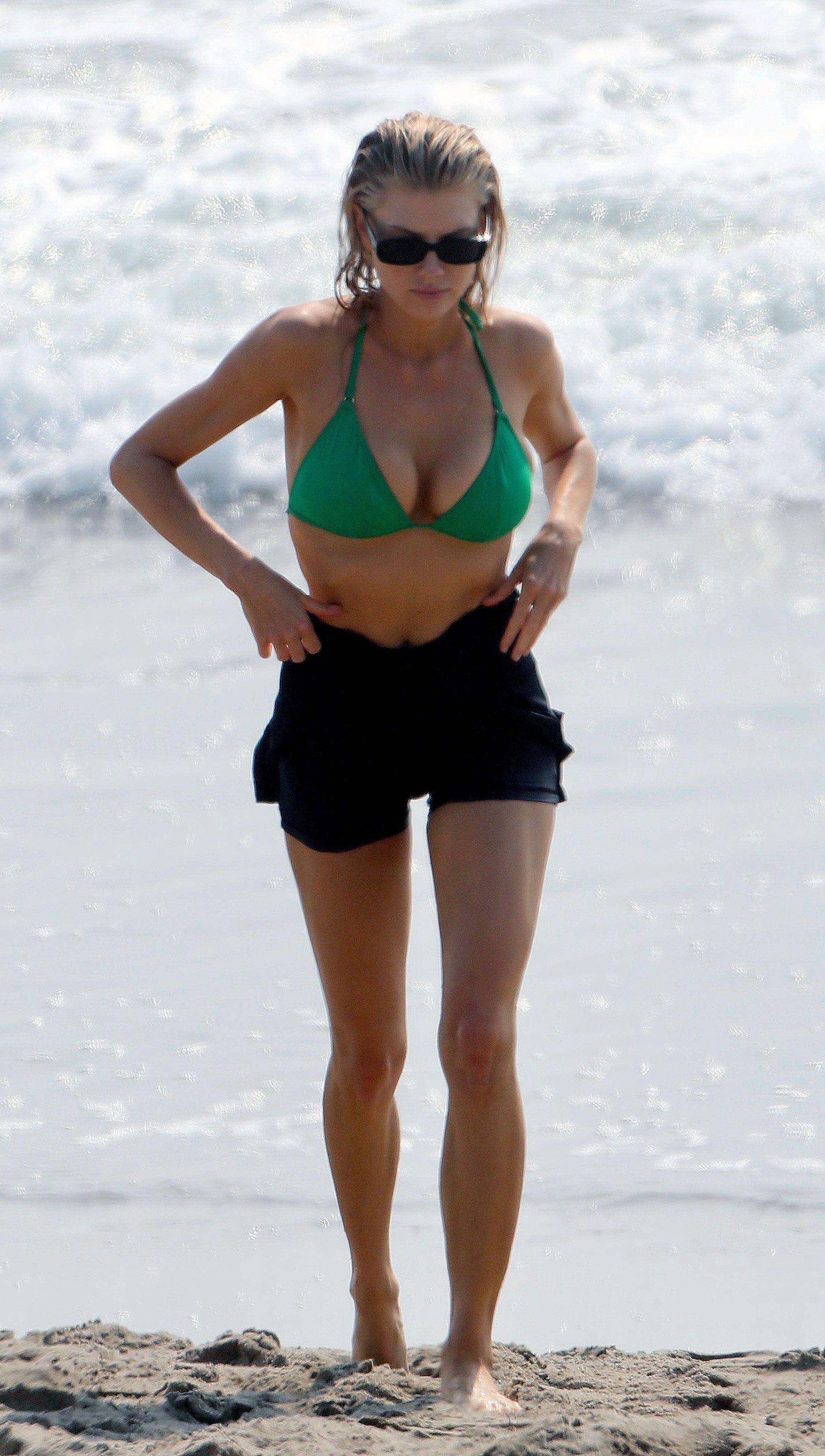 Celebrities-en-un-clic-Charlotte-McKinney-08102020